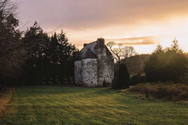 Rustic Scottish Castle Surrounded by History2