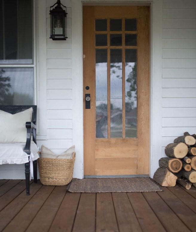 fall-farmhouse-front-porch-15
